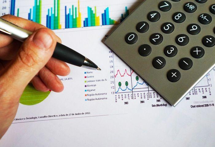 Ile kosztuje kredyt? Co składa się na koszty kredytu?